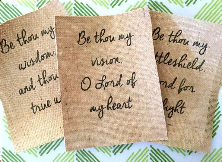 Make your own DIY printed burlap signs! Easy step by step tutorial.