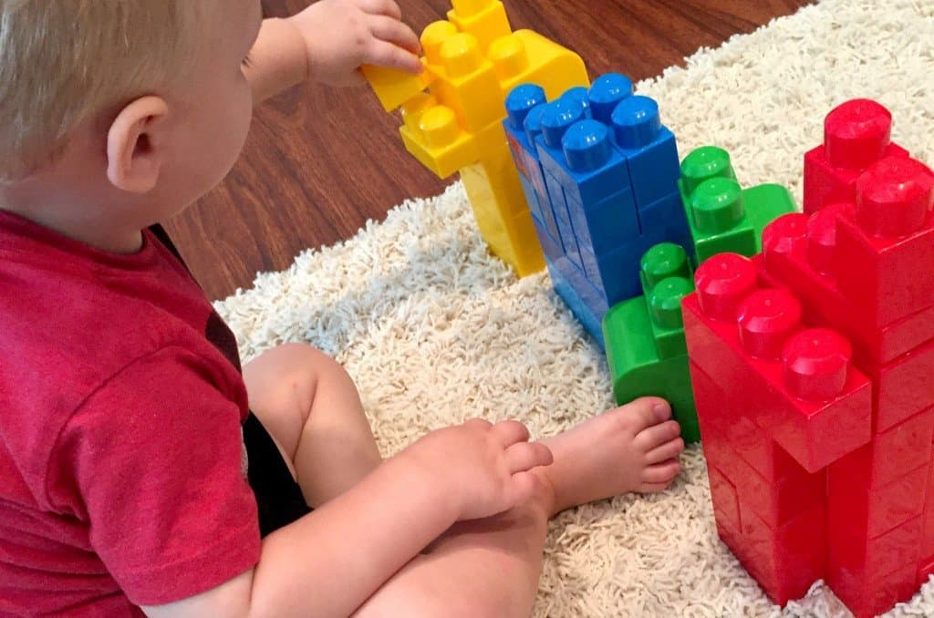 Are you struggling to teach your toddler colors? Learning colors is such an abstract concept. It's time to get hands-on and engage those gross motor skills! Teach your toddler about colors with these three fun and simple games. No prep work required!