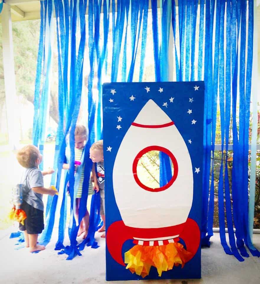 Space Themed Blast Off Birthday Party | julesandco.net
