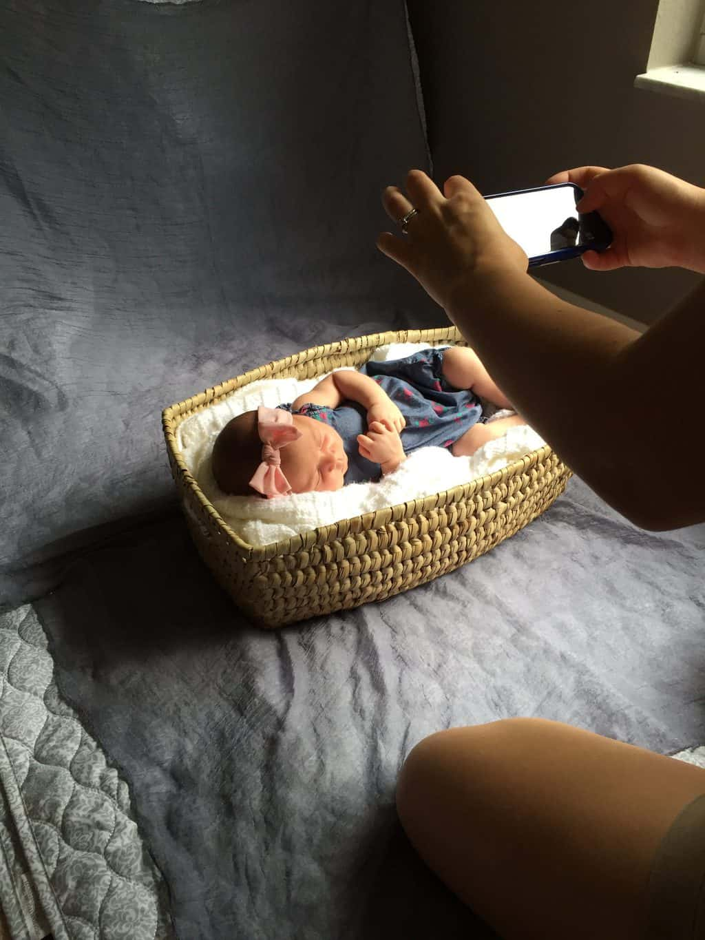 Steal my tips for a super-sweet newborn and older sibling photo shoot. No fancy equipment required!